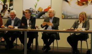 De gauche à droite, Eric Demaret, Directeur territorial Liège-Huy-Verviers au Forem, Thierry Castagne, Directeur général d'Agoria Wallonie et Président du CA de Technifutur, Didier Gosuin Et Eliane Tillieux